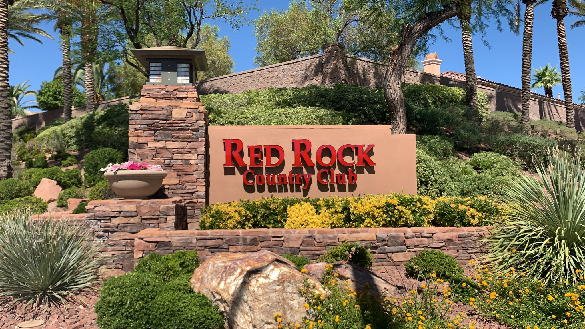 Red Rock Country Club Sign